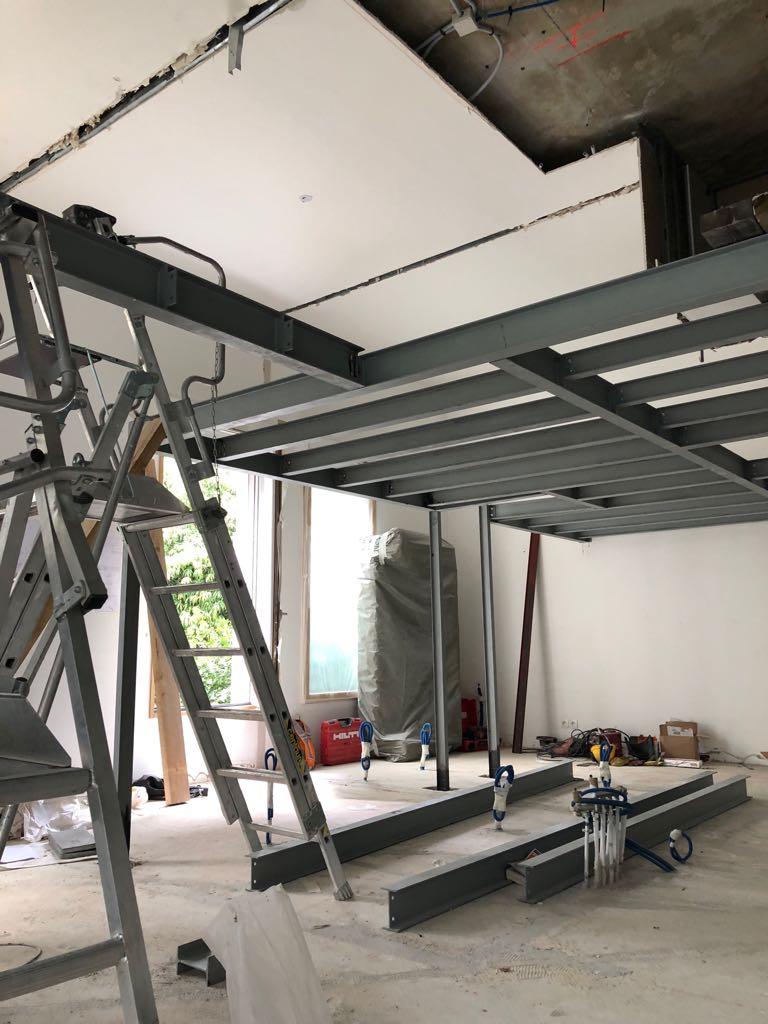 Gagnez 38m2 grâce à une mezzanine contemporaine sur mesure | INOVAS